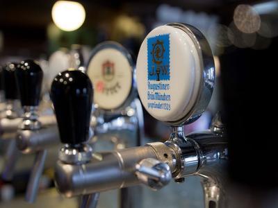Bier vom Fass im Gasthaus Nestroy